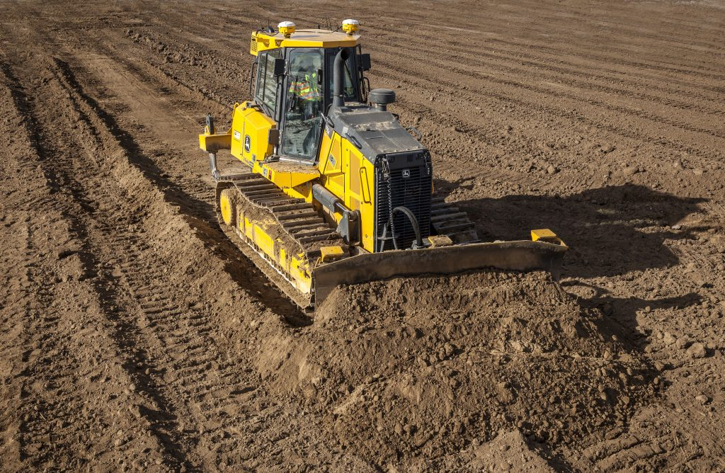 Trimble Earthworks for Dozers 1 2 John Deere dozer 1024x668